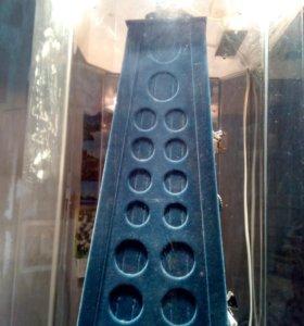 Настольная вращающаяся витрина-стенд для бижутерии