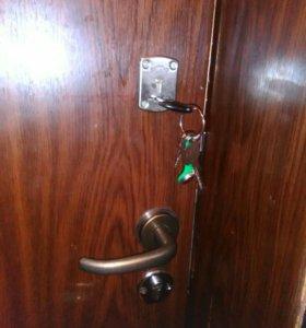 Врезка, замена замков в металлические двери.