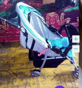 Продаю детскую прогулочную коляску