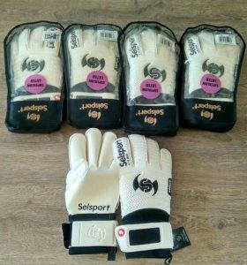 Вратарские перчатки Selsport