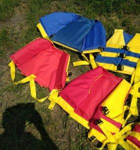 Спасательные жилеты новые