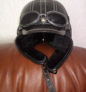 Теплая шапка из натурального меха и кожи