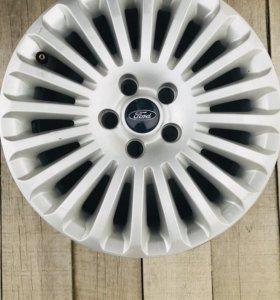 Продам оригинальные литые диски на Ford Focus