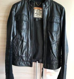Женская кожаная куртка Mango