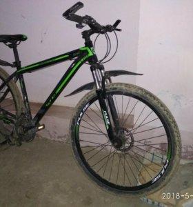 Продаю велосипед, почти новый. Сломана сабачка.
