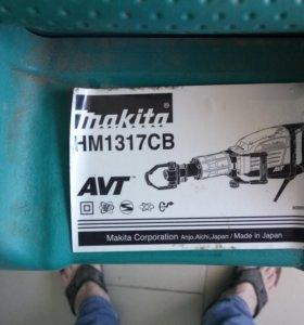 Молоток отбойный MAKITA HM1317CB