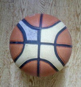Отдам два баскетбольных мяча, за не большую цену