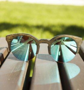 Уникальные солнечные очки с голубыми линзами