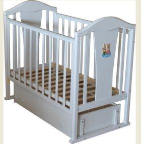Детская кроватка-маятник в отличном состояние