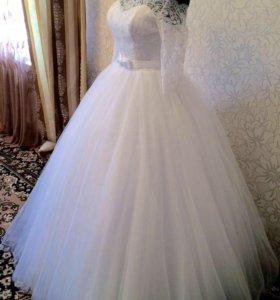 Свадебное платье (новое )