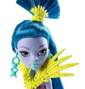 Новая кукла на шарнирах.