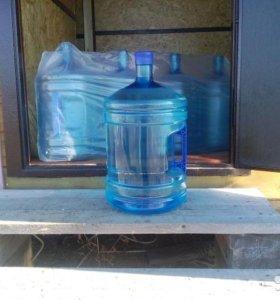 пластиковые бутыли для воды , с ручкой