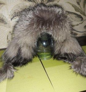 Шапка кожанная с мехом чернобурка