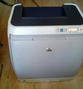 Лазерный принтер цветной  HP Color LaserJet 2605