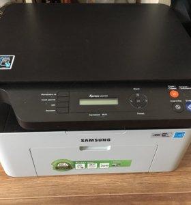 МФУ принтер Samsung Xpress m2070w