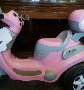Скутер детский, зарядный.