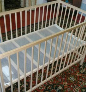 Продаю детскую кроватку
