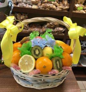 Фруктовые, сладкие, цветочно- фруктовые композиции