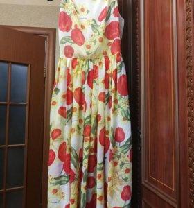 Платье с тюльпанам