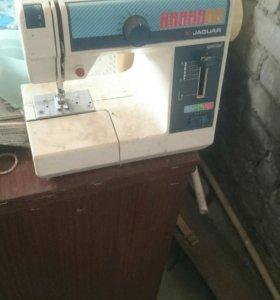 Продам швейное машинку(