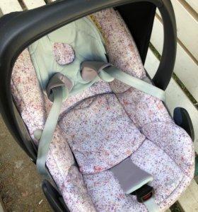 Автомобильное кресло Maxi-Cosi Pebble