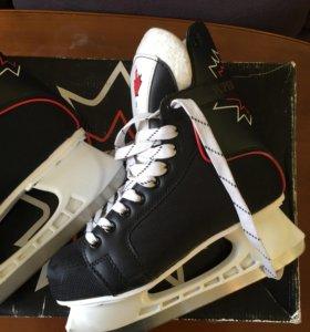 Коньки хоккейные 39 размер