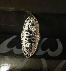 Кольцо новое. 17 размер
