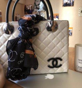 Сумочка Chanel белая с шарфиком