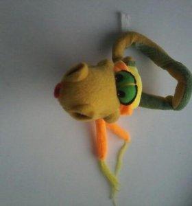 Змея игрушечная