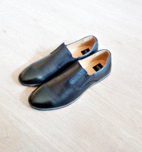Новые туфли в упаковке 46р