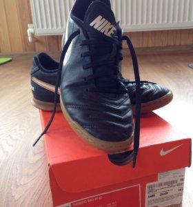Бутсы Nike Tiempo Rio III IC 39,5