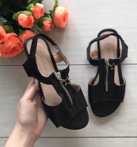 новые сандали