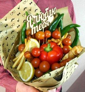 Вкусный съедобный букет конфеты цветы овощи фрукты