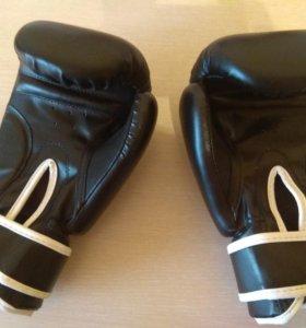 Перчатки для бокса + бинты