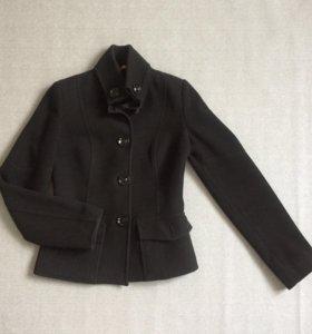 Куртка 42 р в отличном состоянии