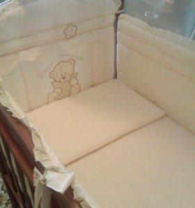 Набор в детскую кровать,бортики+доп.комплект белья