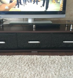 Тумба под телевизор и стол