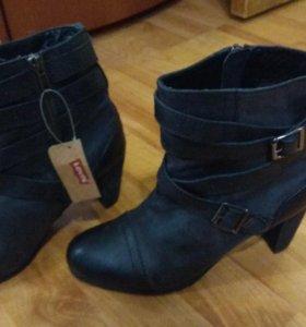 Ботинки новые фирмы LEVI'S