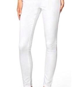 Белые джинсы 46
