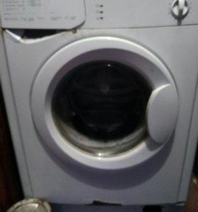Машинка стиральная