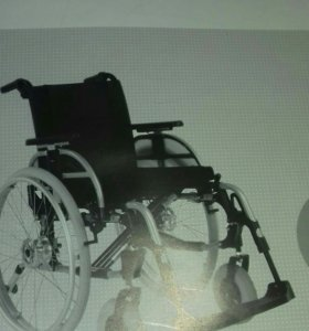 Кресло коляска для инвалидов с ручным приводом