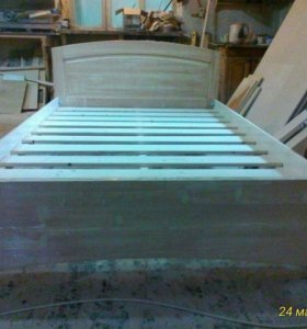 Кровать масив сосны