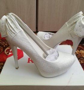 Свадебные (белые) туфли