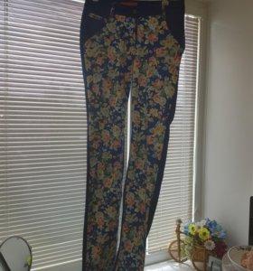 Штаны летние в цветочек 42 размер