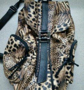 Большой и вместительный рюкзак