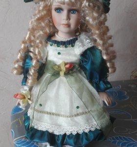 Коллекционная фарфоровая кукла новая
