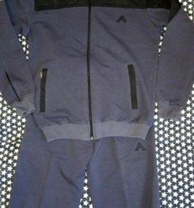 Спортивный костюм на 8 - 10 лет