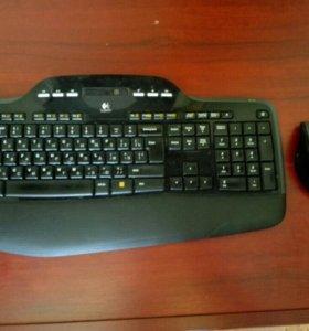 Беспроводные клавиатура и мышь.