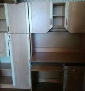 Стенка и шкаф с пеналом