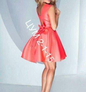 Новое платье атласное с бантом 44 размер